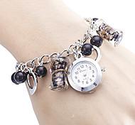 En forme de coeur en alliage de style analogique bracelet montre femme quartz (Multi-couleur)