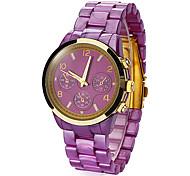 Or cadran rond bande de plastique montre bracelet à quartz analogique des femmes