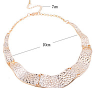 Lureme®Gold Plated Alloy Hammered Wave Collar Necklace  Pendant Necklace