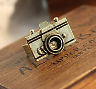 European and American jewelry retro personality camera ring (random color)