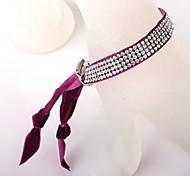 Quatre Bracelet rouge de velours