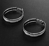 Fashion Assorted Color Alloy Hoop Earrings(Silver,Gold) (1 Pair)