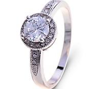 Lureme®Delicate CZ Diamond Ring