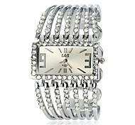 Women's Diamond Dial Alloy Band Quartz Bracelet Watch (Assorted Colors)