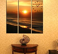 Homing Clock in Canvas 3pcs