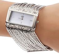Fashionable Praça Caso borlas Projeto Aço Prata Banda relógio pulseira de quartzo das mulheres (cores sortidas)