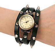 Men's Fashion Style Retro Dial Leather Spike Pattern Band Wrist Watch(Assorted Colors)