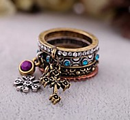 Lureme®Vintage Crytal Cross A Set Ring