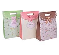 comodo 16.5 * 12.5 * 6 de la moda las flores frescas arco bolsas de regalo de papel del partido bolsa de cubierta (surtido de colores)