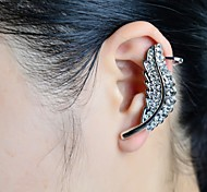 Fashion Stone Set Leaf Ear Cuff