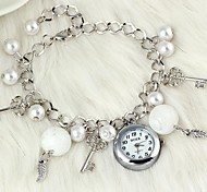 Fashionable Women's Leaf-Shaped Key Pattern Pearl Crystal Glass Bracelet Watch (1Pc) Cool Watches Unique Watches