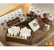 Holiday Gifts Mini Maple Leaf  Shape Soap (Random Color)