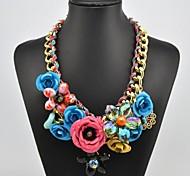 Женское ожерелье с кристаллами