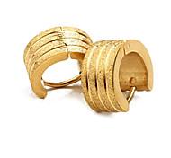 Männer Persönlichkeit Gold sandähnliches Titan Stahl Beschichtung Gold Ohrringe