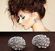 Luxury Temperament Small Teardrop-Shaped Diamond Earrings