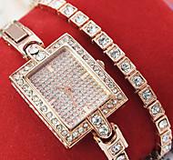 Women's New Explosion Square Diamond Dial Diamond Bracelet Fashion Quartz Watches