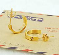 Moda Ouro / Prata / Rosa de Ouro Titânio Aço Diamonted Screw Forma Brinco