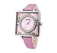 square shape fashion ladies watch with charming stones pearl dial
