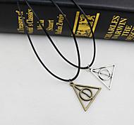 Vintage Geometry Delta Round Necklace