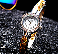 Women's New Luxury Trend Round Diamond Dial Fashion Quartz Bangle Watch (Assorted Colors)