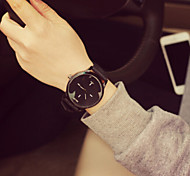 WomanAnd Men  Fashion Leather Wrist Watch