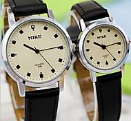 Retro Fashion Watch Female Couple Quartz Watch
