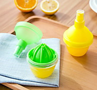 Fruit Lemon Juicer Fruit Citrus Orange Juicers  Lemon Spray Mist Kitchen Tools(Random Color)