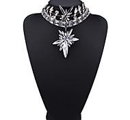Жен. Заявление ожерелья Бижутерия Бижутерия Драгоценный камень Сплав Мода Euramerican Белый Цвет радуги Бижутерия Для Для вечеринок 1шт