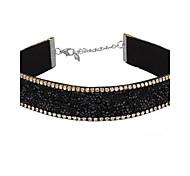 Жен. Ожерелья-бархатки Стразы Геометрической формы Кожа Мода Регулируется Готика Бижутерия Назначение Повседневные Свидание Для клуба