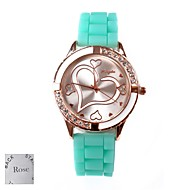 Gepersonaliseerde Gift Vrouwen Patroon Liefde Dial Green Rubber Band Analog gegraveerd horloge met Rhinestone