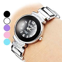 Kvinners armbånd stil Alloy Analog Quartz Watch (Assorterte farger)