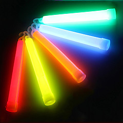 Utomhus Multicolor Chemical Liquid 6 Inch Glow Stick Light med krok för SOS eller Party (12h-24h, slumpvis färg)