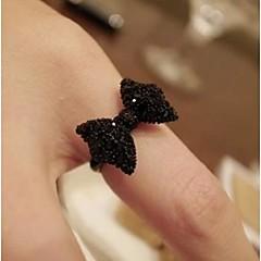 女性のレトロな弓ブラックダイヤモンドリング