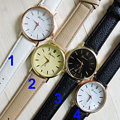 שעון היד אנלוגית סגנון אופנת רצועת עור קוורץ של נשים (צבעים שונים)