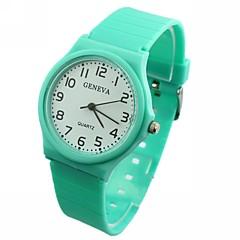 naisten yksivärinen dial silikoni bändi kvartsi analoginen rannekello (valikoituja värejä)