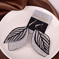 2015 Fashion Hollow Leaves Frosted Earrings