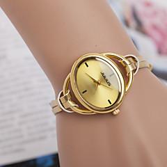 femmes montres la tendance du bracelet en cuir montre bien la personnalité