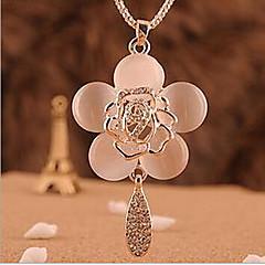 Damskie Naszyjniki z wisiorkami Flower Shape Rose Opal Stop Modny Kolor ekranu Biżuteria Na Specjalne okazje Urodziny