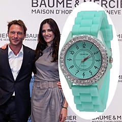 Женские Модные часы Кварцевый Pезина Группа Черный / Белый / Зеленый бренд-