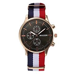 Unisexe Bracelet Montre Quartz / Tissu Bande Pour tous les jours Blanc / Bleu / Rouge Marque