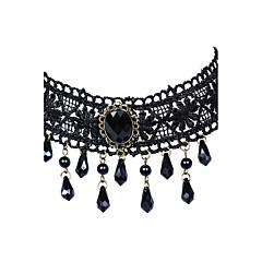 Női Rövid nyakláncok Nyilatkozat nyakláncok Ékszerek Drágakő Csipke Ötvözet LógóViktorijanski nyilatkozat ékszerek Bojtok Crossover Divat