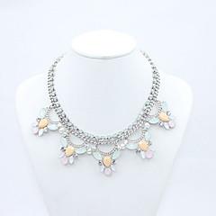 Damskie Oświadczenie Naszyjniki Flower Shape Akrylowy Stop Kwiat Modny Biżuteria Na Codzienny Casual