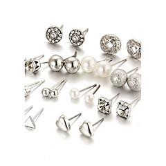 Dame Stangøreringe Krystal Imiteret Perle Rhinsten Mode Elegant Bling bling Krystal Imiteret Perle LegeringRund form Hjerteformet