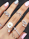 Women\'s Knuckle Ring Basic Fashion Costume Jewelry Rhinestone Imitation Diamond Alloy Flower Leaf Jewelry For Party Daily Casual